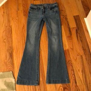 DL 1961 Joy flared jeans. Light wash. Size 28